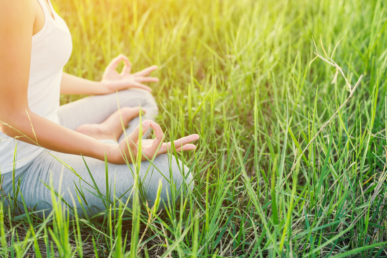 Elisabeth Althoff, Yoga, Köln, Massage, Meditation, Achtsamkeit, Mindfulness, Atemtraining, Atemtherapie, VHS